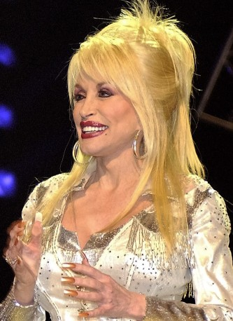 Dolly_Parton_in_Nashville_2 (1)